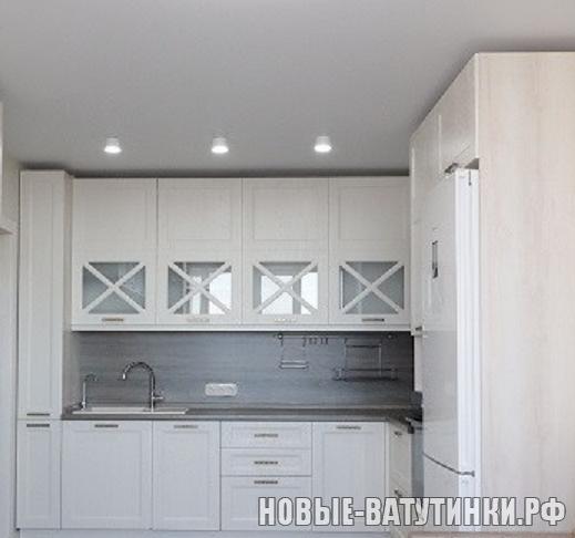 Кухня в стиле Неоклассика, фасады мдф-пленка Пломбир-Софт вид 2.png